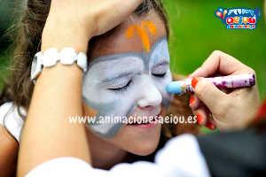 Maquillaje de pintacaras seguro para niños