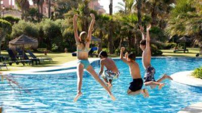 Cómo organizar una fiesta en la piscina en Madrid