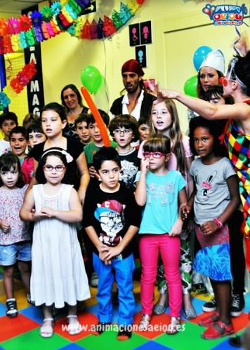 Fiestas de cumpleaños infantiles y comuniones en miraflores de la sierra