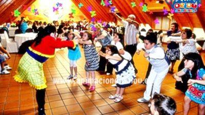 ¿Cómo entretener niños mayores en fiestas infantiles?