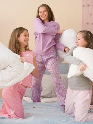 Consejos para tener una fiesta de pijamas en Madrid con animadores a domicilio